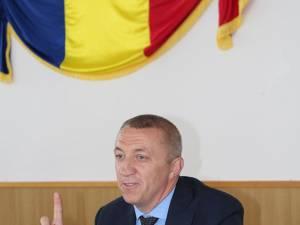 Primarul Eduard Dziminschi