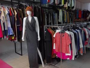 Ținute casual, branduri de notorietate şi preţuri atractive, la ANITA Concept Store