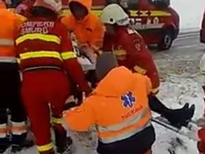 Accident cu cinci victime provocat de o şoferiţă fără experienţă