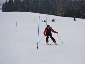 Primul concurs de schi alpin şi sanie găzduit de domeniul schiabil din comuna de la limita cu judeţul Maramureş după aproape 10 ani de absenţă