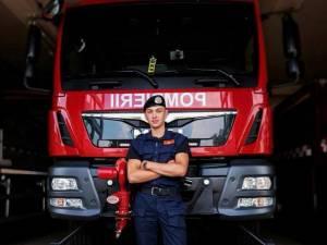 Alexandru este student în anul II la Facultatea de Pompieri
