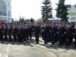 """Ceremonia depunerii Jurământului militar de către elevii jandarmi din seria ianuarie - noiembrie 2018 a Şcolii Militare de Subofiţeri de Jandarmi """"Petru Rareş"""" Fălticeni"""