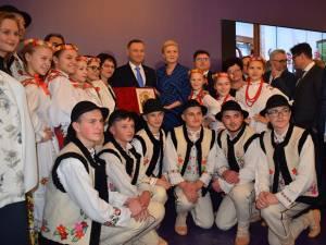 Fotografie de grup împreună cu preşedintele Poloniei