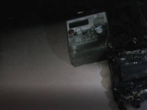 Un incendiu la un tablou electric a creat panică într-o scară de bloc