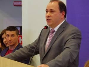 """Rectorul interimar al Universităţii """"Ştefan cel Mare"""" Suceava, prof. univ. dr. ing. Mihai Dimian"""