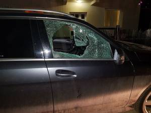 Mașina spartă în cartierul Zamca