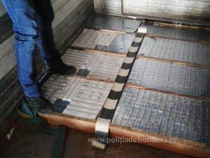 În podeaua remorcii au fost descoperite 26.770 pachete de țigări de diferite mărci, de proveniență ucraineană