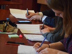 Cinci elevi suceveni s-au calificat la Olimpiada Națională de Istorie