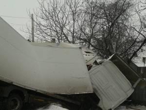 Accident grav, între două tiruri și o autoutilitară, la Băișești-Corun Luncii
