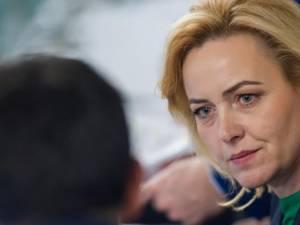 Carmen Dan l-a vizitat în spitalul din Bucureşti pe Ciprian Sfichi