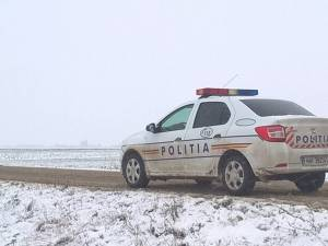 Un adolescent în vârstă de 16 ani le-a dat mari bătăi de cap poliţiştilor