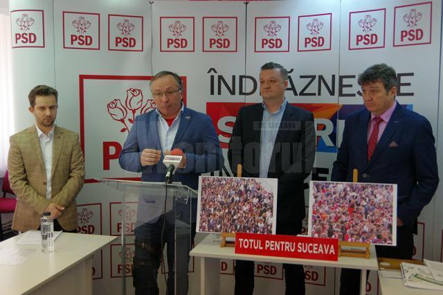 Gabriel Buciac, Dan Ioan Cușnir, Andrei Păduraru și Vasile Mocanu, ieri, în conferinţă de presă