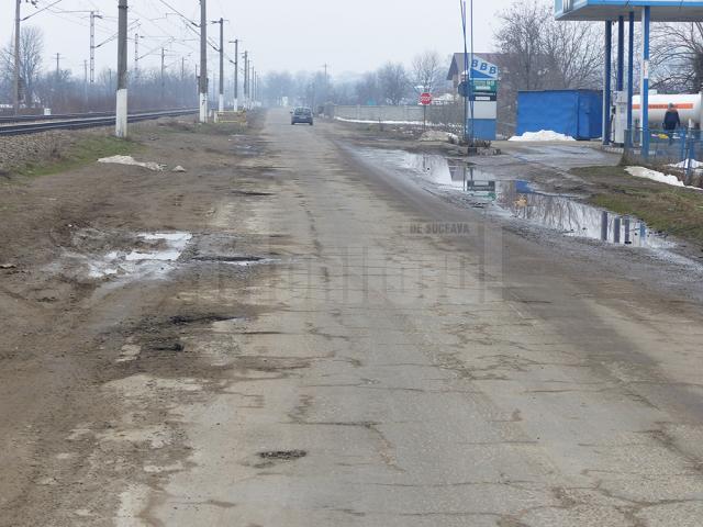 Lucrările de plombare a drumului judeţean care trece prin Liteni vor începe imediat ce vremea va permite acest lucru