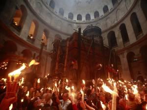 Lumina Sfântă de la Ierusalim va fi adusă și anul acesta credincioşilor ortodocşi suceveni - Sursa foto basilica.ro