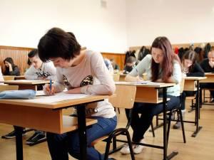 La clasa a XII-a, procentul de promovabilitate este de 43,17%