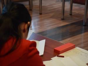 Simularea îi pregăteşte pe elevi pentru atmosfera de examen