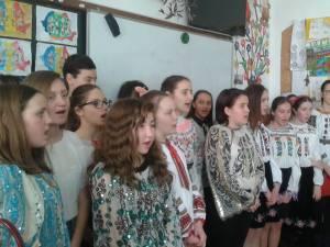 100 de ani de la Unirea Basarabiei cu România, marcaţi la Şcoala Gimnazială Plopeni