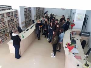 """1.500 de elevi au vizitat Biblioteca Universității din Suceava, în programul """"Școala altfel"""""""