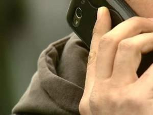 Persoanele care au fost contactate telefonic de către indivizi necunoscuţi au realizat că ceva nu este în ordine şi au întrerupt convorbirea. Foto: vestea.net