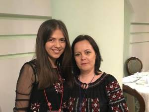 Teodora Iuliana Juncu - Premiul I - alaturi de prof. Laurica Ciurari