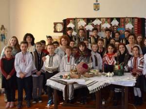 """""""Tradiţia Oului de Paște"""", la liceul din Moldovița"""