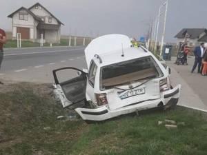 Autoturismul VW a fost lovit din spate de autoutilitara condusă de şoferul băut