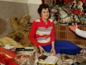 Cătălina Puşcaşu, femeia bolnavă de cancer din Lămăşeni, a primit sâmbătă 8.820 de lire sterline