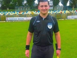 Arbitrul central Adrian Savu a fost bătut de jucătorii şi antrenorul de la CS Gura Humorului