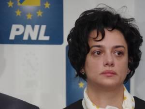 Angelica Fădor consideră că aplicarea noii legi a salarizării i-a discriminat pe angajații Spitalului de Psihiatrie din Siret