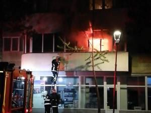 Incendiul a izbucnit într-una din camerele apartamentului, înainte de ora 21.00