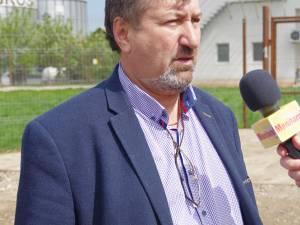 Gheorghe Șcheuleac alături de inspectorii ITM și jandarmii veniţi în control