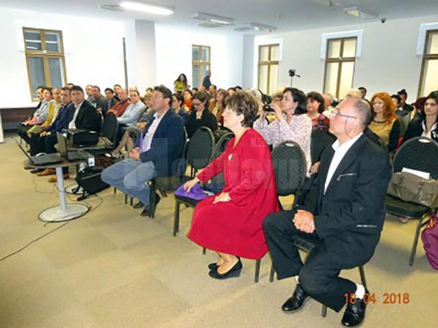 Schimb de experiență între profesorii care lucrează în palatele și cluburile copiilor din județele Suceava și Neamț