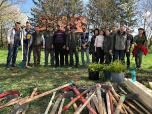 Garda Forestieră Suceava a plantat peste 200 de puieți pe raza municipiului Rădăuți