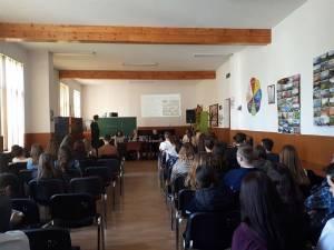 Consiliul Judeţean al Elevilor organizează sesiuni de informare pentru elevii din judeţ