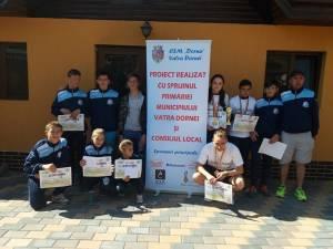 Atleţii de la CSM Dorna Vatra Dornei alături de antrenorul Cristian Prasneac