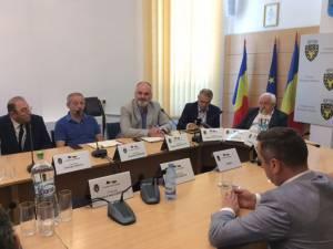 Primăria Rădăuți a găzduit ieri o întâlnire a reprezentanților Regionalei CFR Iași cu primarii localităților situate pe traseul Dornești-Putna