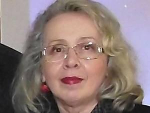 Scriitoarea Angela Furtună