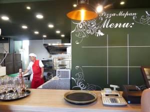 Un interior elegant unde 30 de locuri îşi aşteaptă clienţii