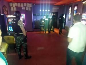 Acţiune de amploare a poliţiei în baruri şi discoteci