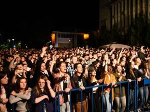 Public foarte numeros la concertul de luni seară