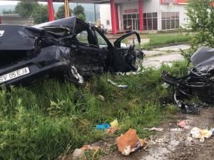 Autoturismul Dacia Logan a fost lovit extrem de violent