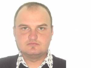 Bărbat în vârstă de 30 de ani, căutat de poliţie după ce a dispărut de acasă