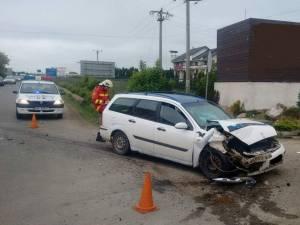 Doi răniți și patru mașini avariate, într-un carambol la Șcheia