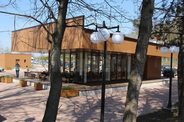 Cafeneaua Zonei de Agrement Tătărași, concesionată cu 190 de lei/mp/ lunar