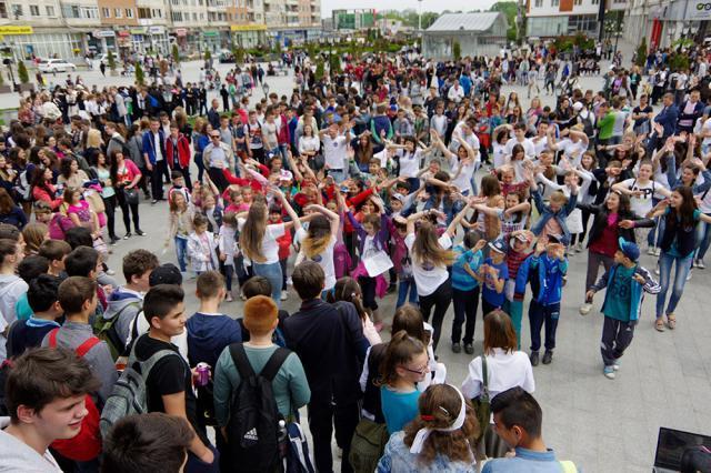 Flash mob şi marş antiviolenţă, joi, în centrul municipiului Suceava