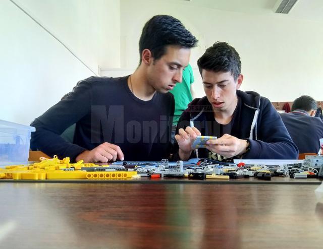"""A IV-a ediţie a Concursului de creativitate tehnică """"Fun Mechanics"""""""