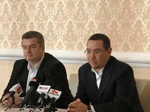 Fostul lider PSD şi premier Victor Ponta şi fostul preşedinte al PSD Suceava Cătălin Nechifor  au susţinut joi dimineaţă o conferinţă de presă comună
