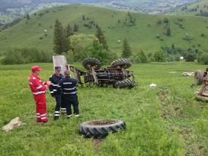 Şi-a găsit sfârşitul în tractorul cu care s-a răsturnat pe o păşune