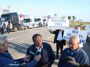 Preşedintele CJ, Gheorghe Flutur, şi primarul Sucevei, Ion Lungu, s-au alăturat protestatarilor suceveni