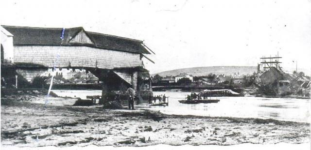 Podul care lega Suceava de Ițcani, distrus de inundaţiile de la sfârşitul sec. XIX